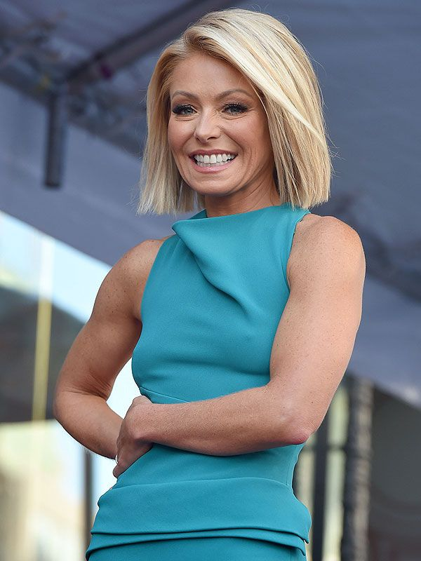 How Kelly Ripa Got Her Arms Ready for Her Sleeveless Oscars Dress