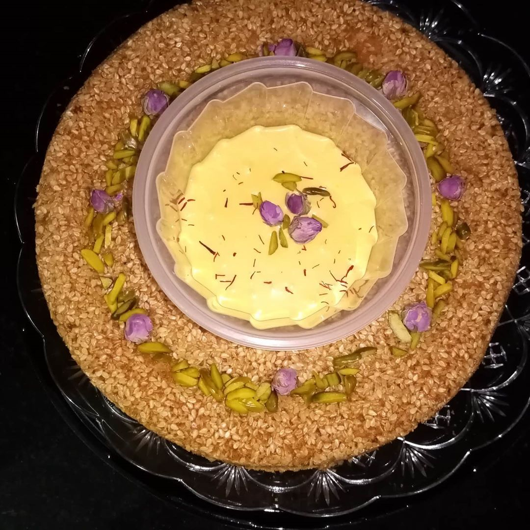 كيكه الهيل والزعفران قرص عقيلي مع صوص الزعفران اللذيذ مخب Trends Ideas Cookie Recipes Desserts Recipes