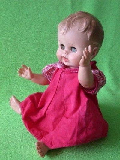 ADORABLE!~Vtg 50s~RUBBER+MOLDED HAIR~Drinks+Wets+Dress~BABY GIRL DOLL~14 (04/19/2013)