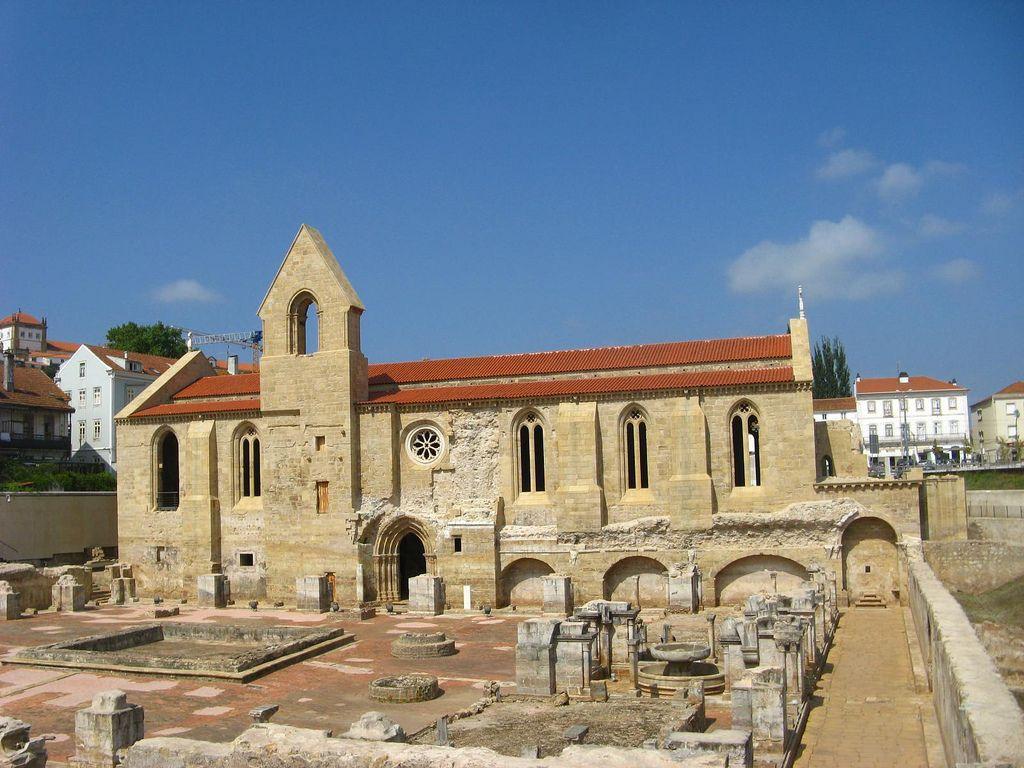 Mosteiro De Santa Clara A Velha Coimbra House Styles Architecture Coimbra
