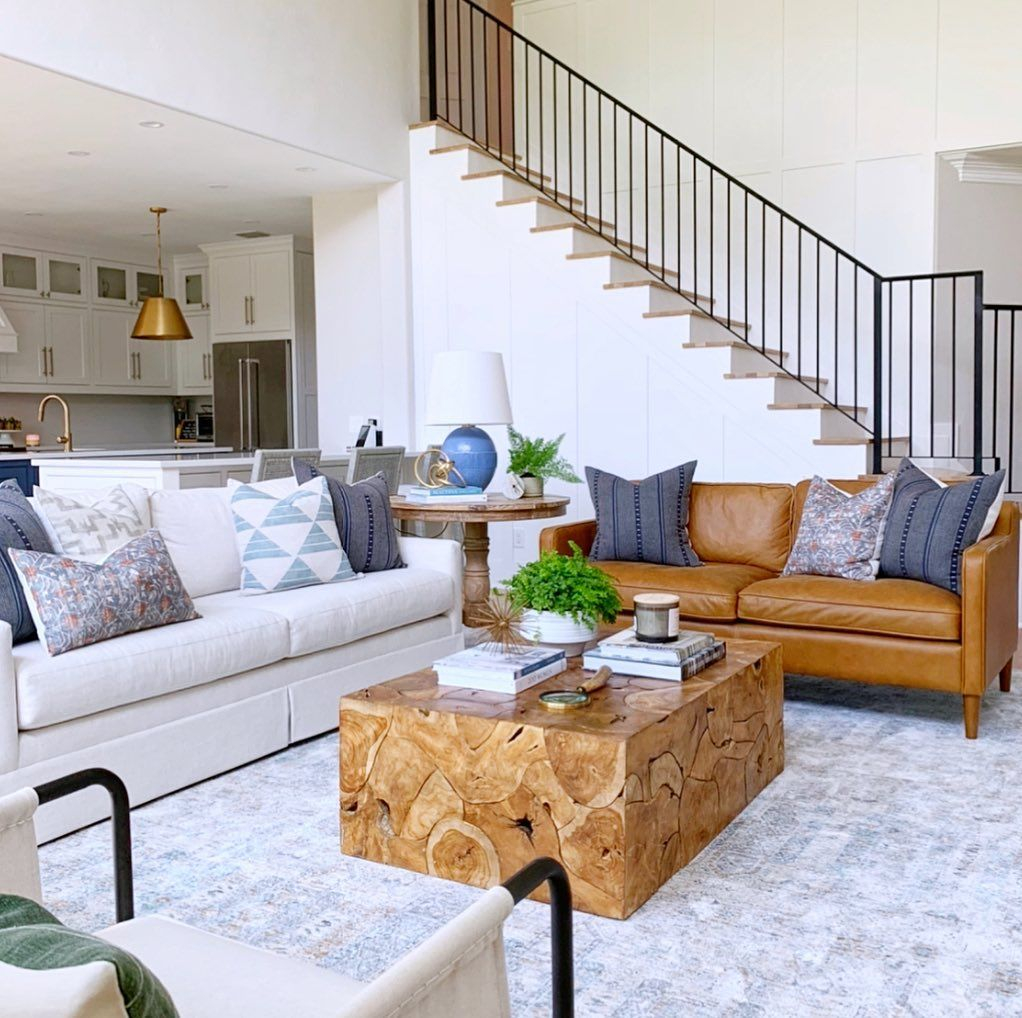 """Lindsey Walker on Instagram: """"Here is another before and after photo of this space. Happy Thursday friends! . . . #livingroom #livingroomdecor #livingroomdesign…"""""""