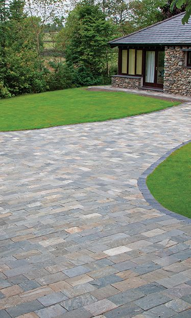 Rustic Quartz Quartzite Block Paving | Landscaping | Patio | Driveway |  Garden Path | Natural