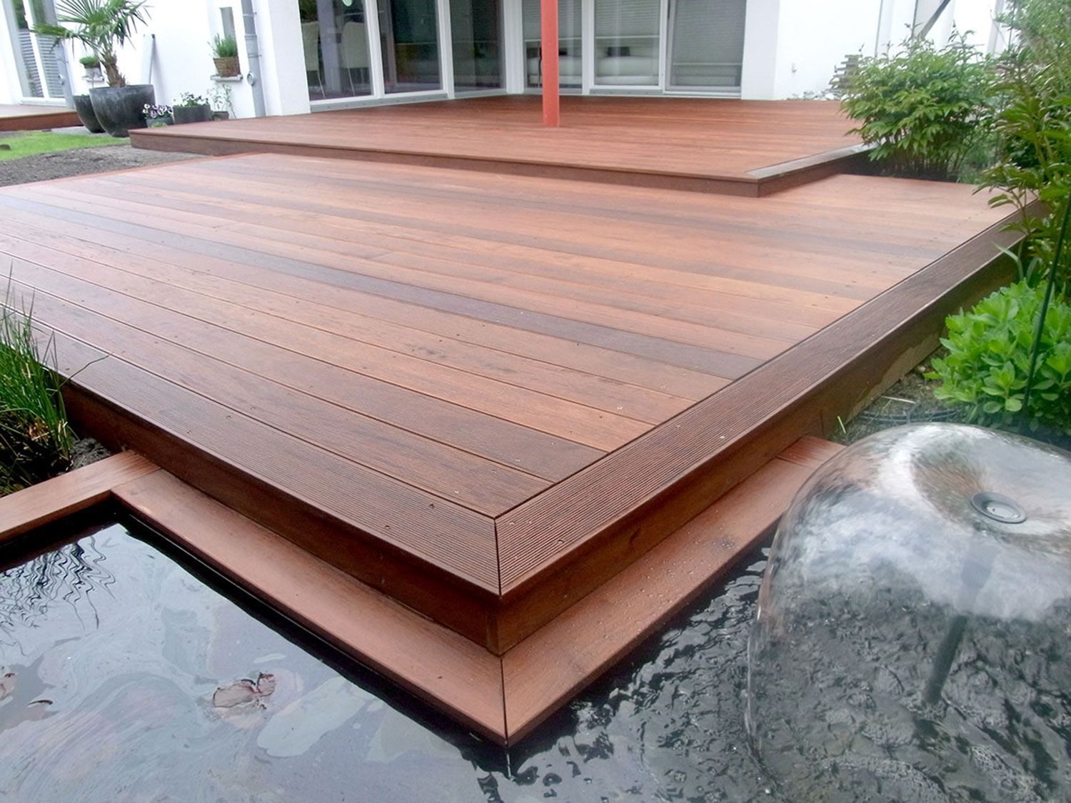 Bluemetal S Low Deck Over Concrete Finished But Not Finished Deckbuilding Salvabrani Small Backyard Decks Deck Over Concrete Decks Backyard