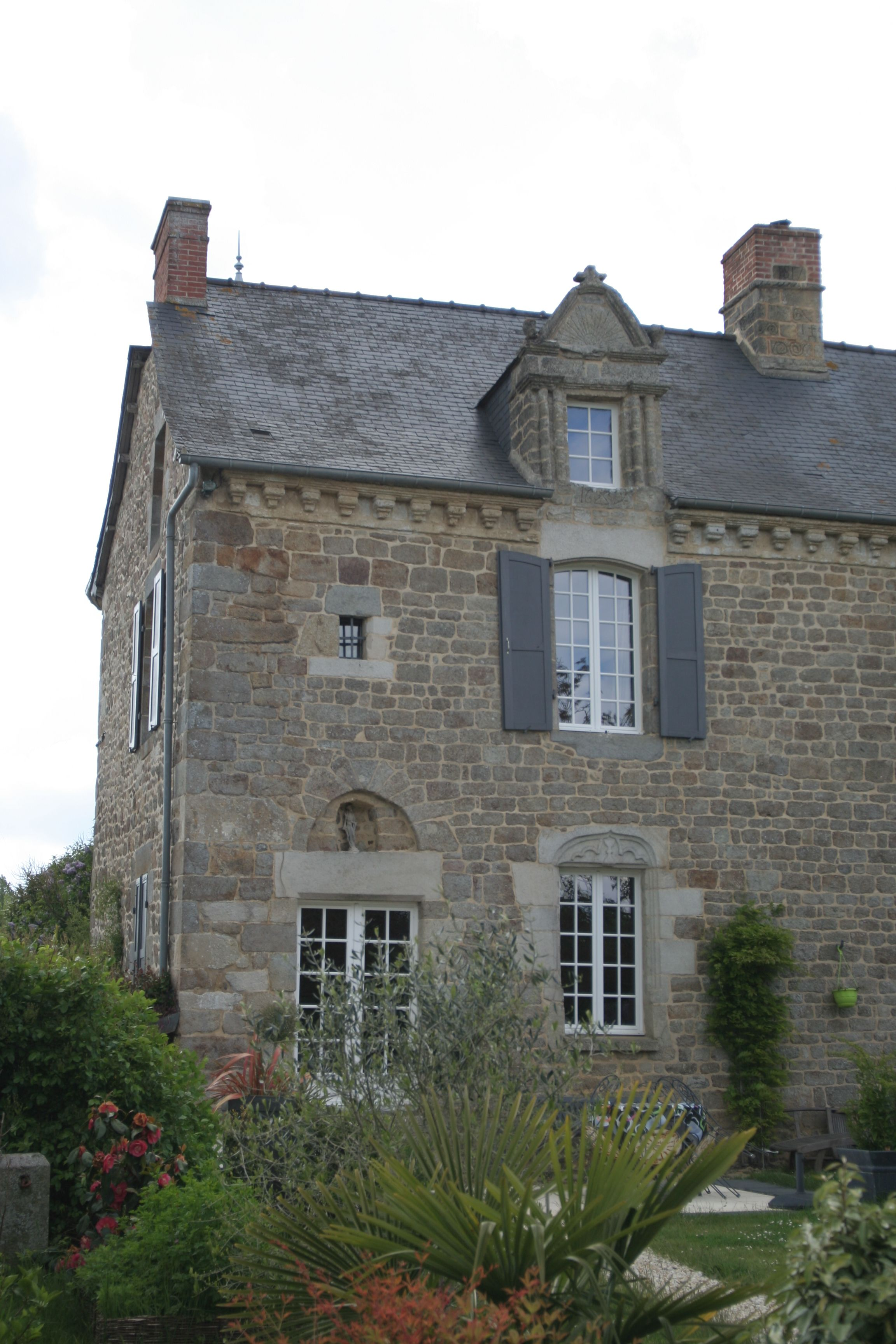Vacation Rentals in Becherel, France - TripAdvisor