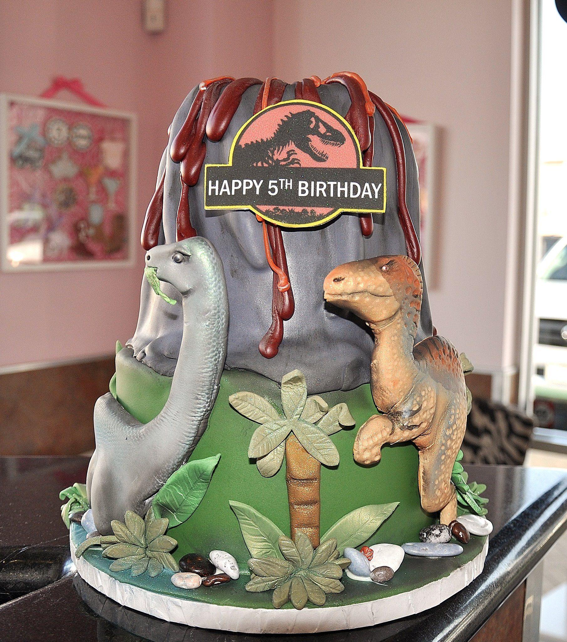 ashleycollins2 dinosaurier torte pinterest kuchen torten und fondant figuren. Black Bedroom Furniture Sets. Home Design Ideas