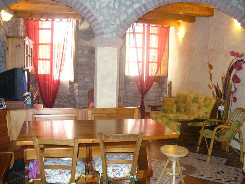 La cucina - B Casa genuina. Bosa, Sardegna #bedandbreakfast #sardegna #bosa #tourism #travel #interiors #kitchen