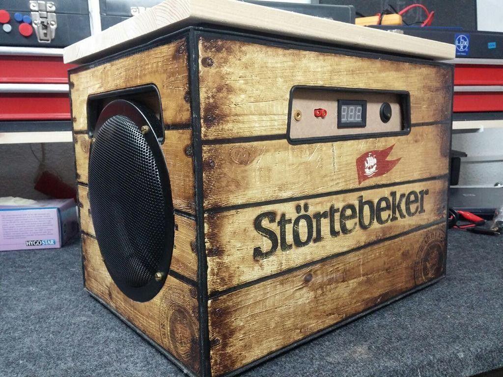 Bett selber bauen bierkästen  Portable Soundanlage, um draußen eine Party mit über 40 Leute zu ...