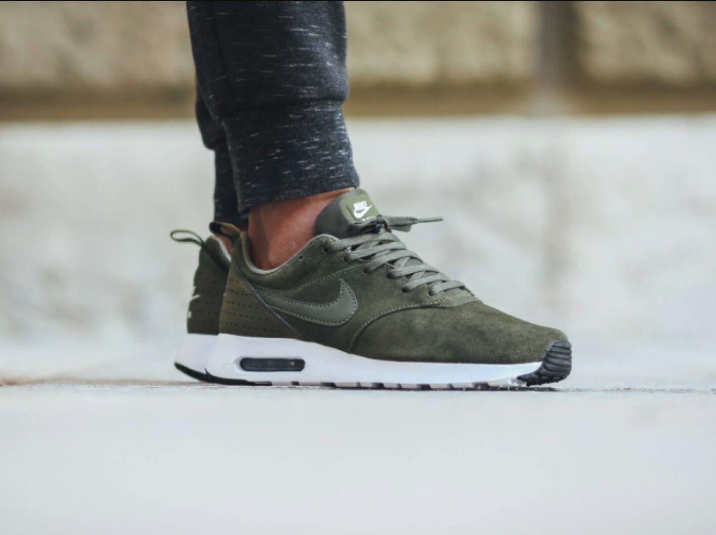 Nike air max tavas cargo green suède | Sneakers nike, Shoes