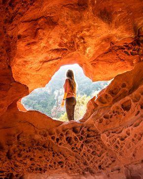 La Roca Foradada y las Cuevas de Bruguers
