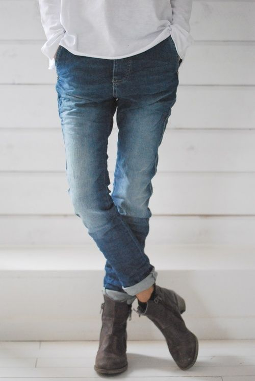 leather booties   rolled up skinnies Jeans And Boots, Cuffed Jeans, Denim  Boots, 9fc13bbc9a