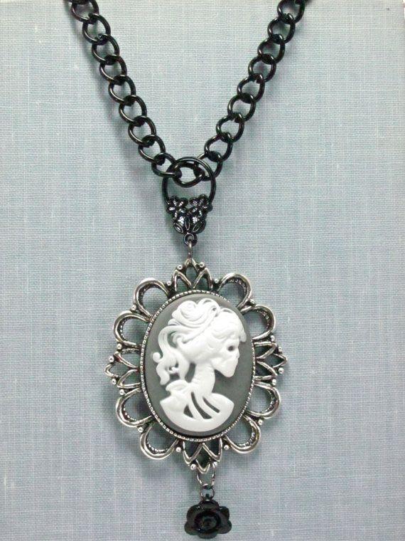 Skull necklace.