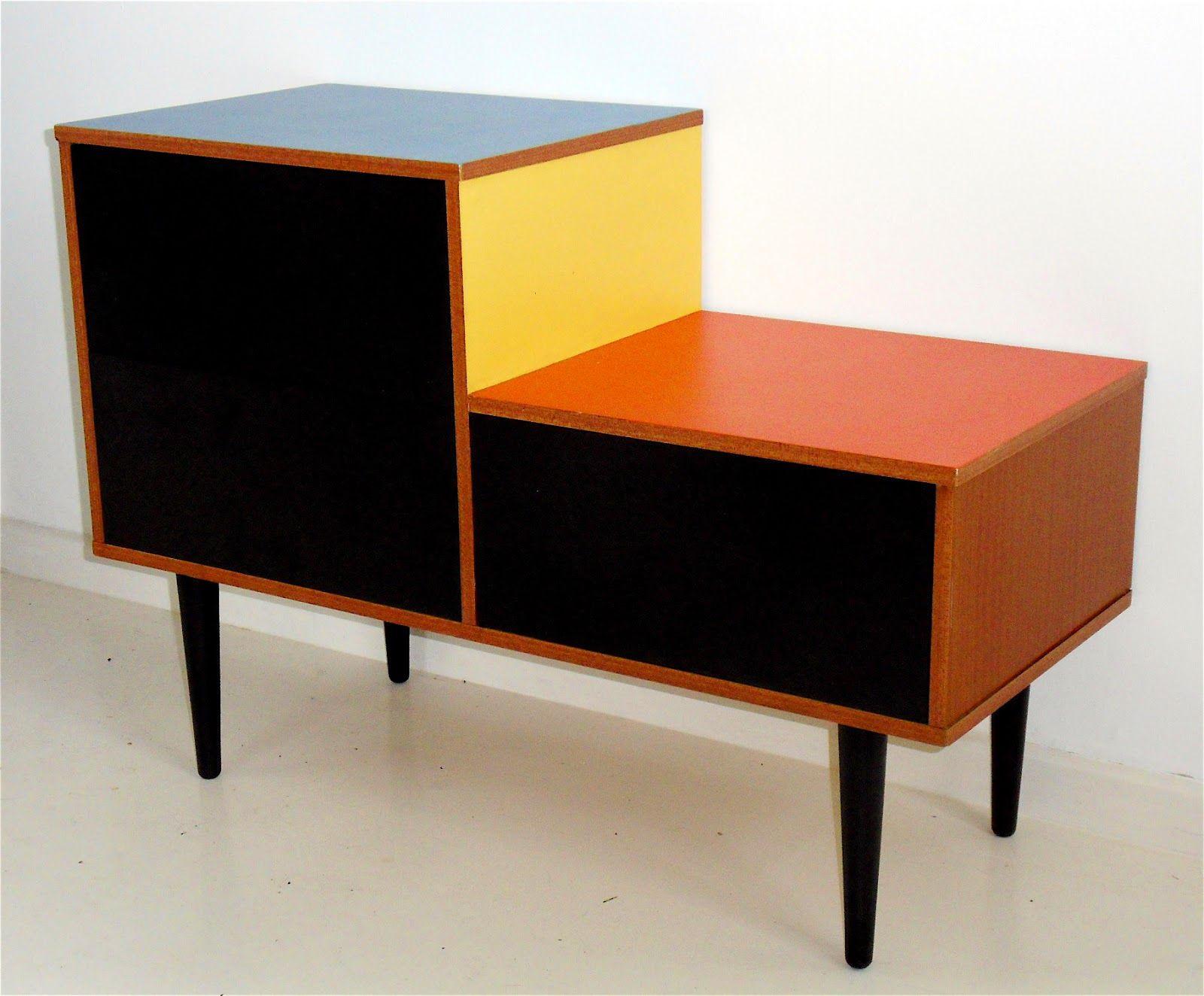 Bauhaus furniture for interior design of beautiful your for Furniture 4 your home