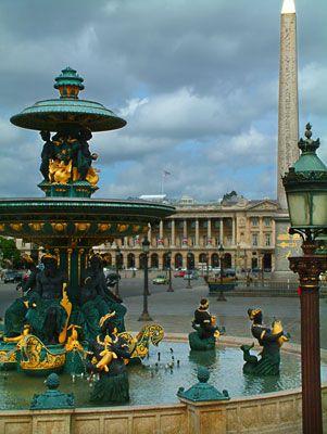 La Fountaine des Mers, Place de la Concorde.