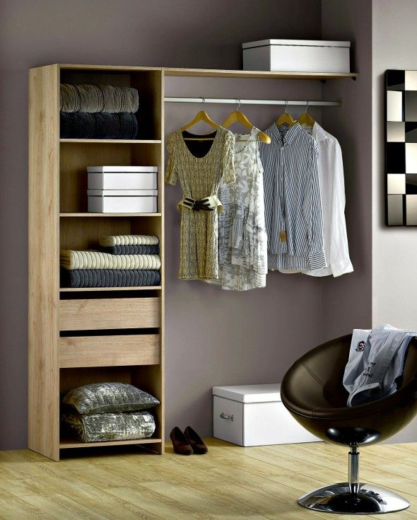 Dressing En Kit Couleur Chene Pour Les Dressings Leroy Merlin Propose Trois Solutions D Amenagement Amenagement Dressing Dressing Chambre Idee Dressing