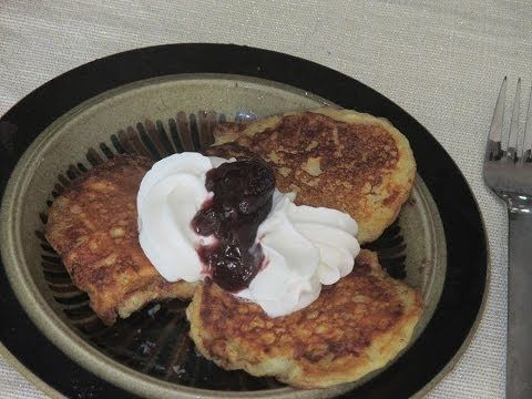 Klatkager - How to make Danish Pancakes (dansker pandekager) using rice pudding (Risengrød) .