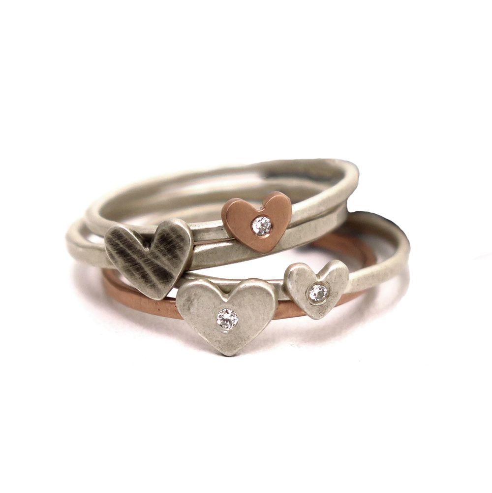 Todays Artist Spotlight is on jewelry designer Elizabeth Ryan