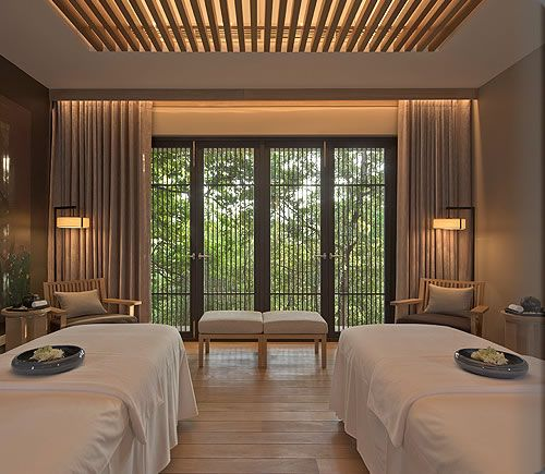 Amanresorts luxury resort hotels bali india sri lanka for Spa treatment room interior design