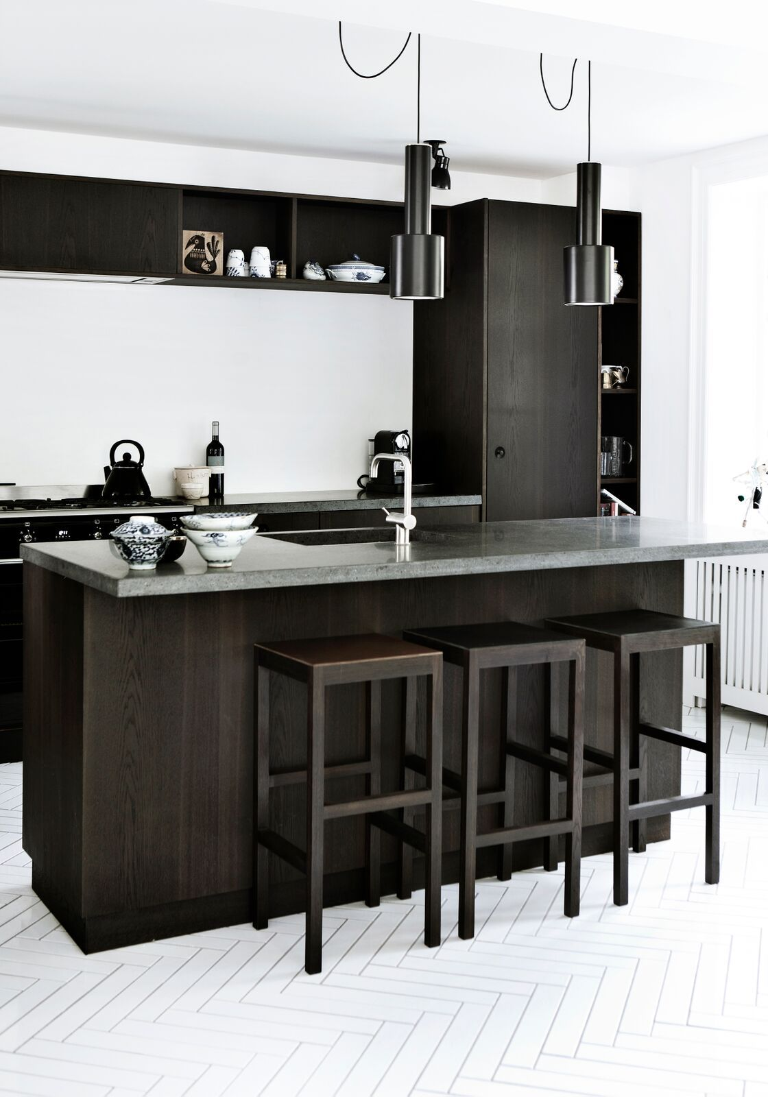 Such A Dramatic Yet Stylish Kitchen Created With Smoked