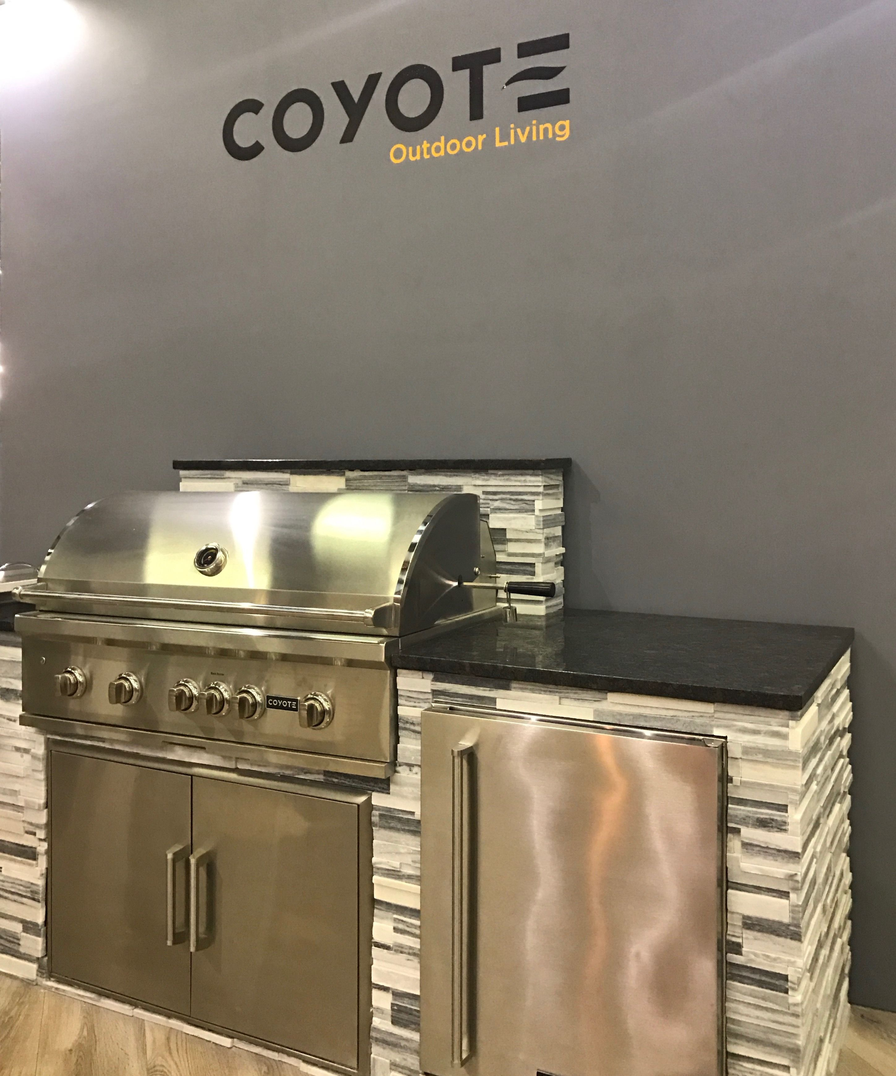 Pin By Distinctive Appliances Distrib On Coyote Outdoor Living With Images Outdoor Space Design Outdoor Kitchen Beautiful Outdoor Spaces