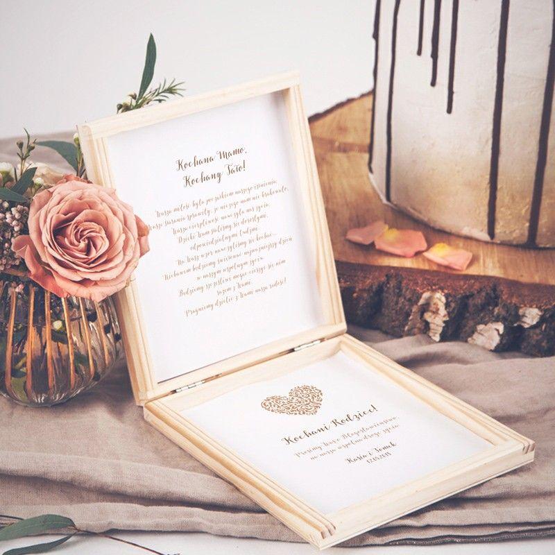 Prosba O Blogoslawienstwo Rodzicow To Wyjatkowy Dodatek Na Slub I Wesele Prosba Zostala Umieszczona W Pudelku Z Naturalnego Drewna Frame Home Decor Book Cover