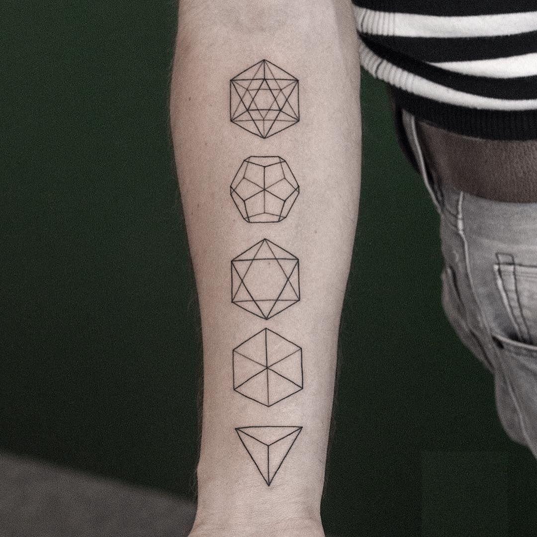 Fantastico геометрические татуировки для девушек