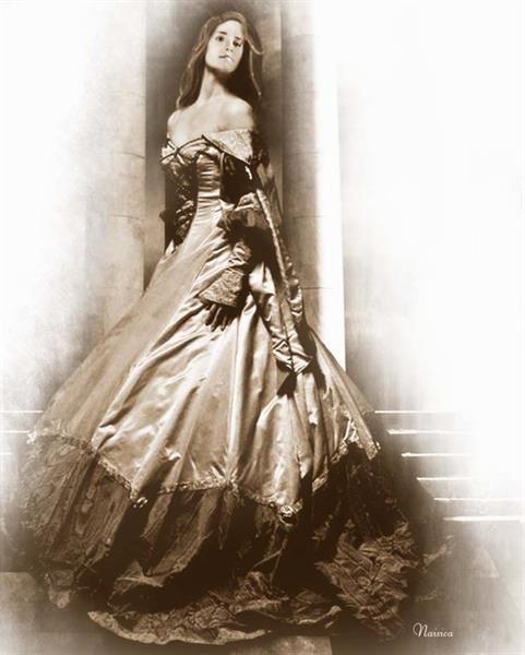 В бальном платье стихи