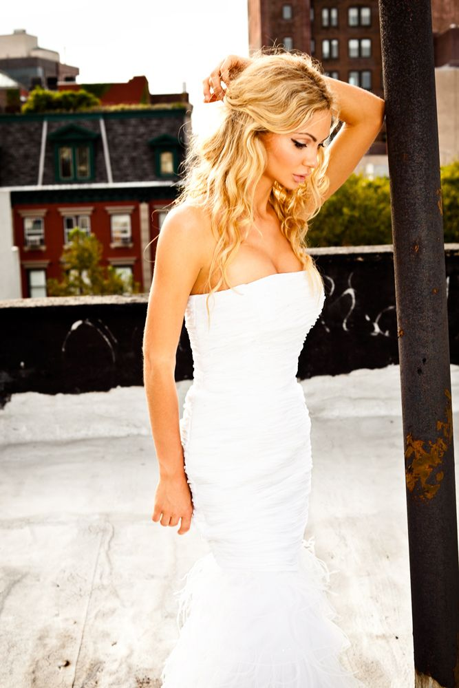Golden Dolls is one of the trusted Montreal Escorts Agency, searching for  high class escorts in montreal.