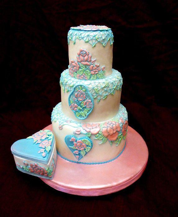 enchanted garden - Cake by kelvin chua | Royal icing cakes ...
