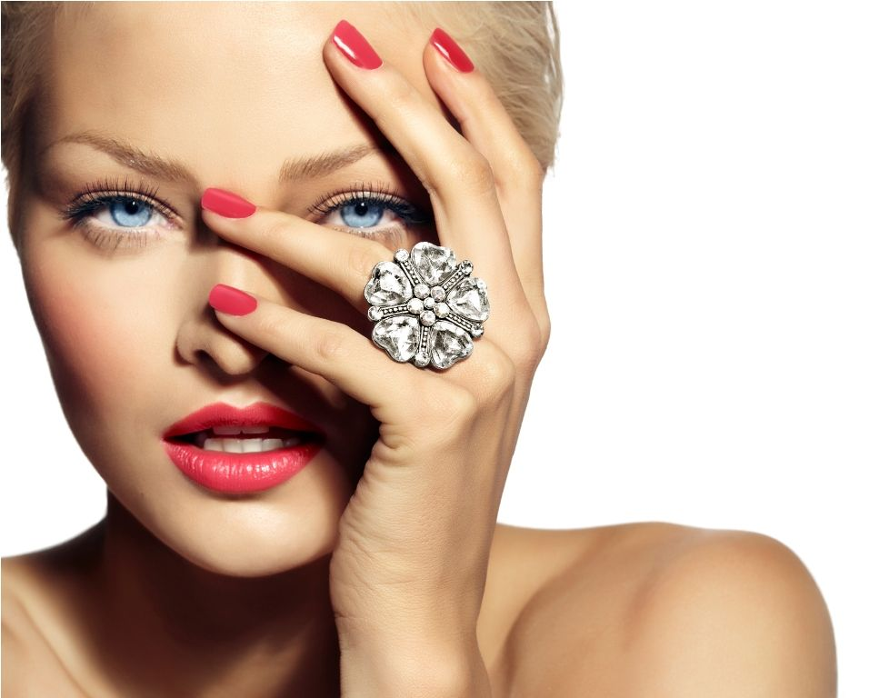 women with unique jewelry | Ring | Pinterest | Plump lips, Dior ...