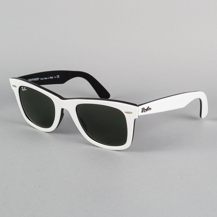 Ray-Ban ORIGINAL WAYFARER CLÁSSICO: modelo clássico; armação em acetato na cor branca e preta; lentes cristal verde em cor uniforme.