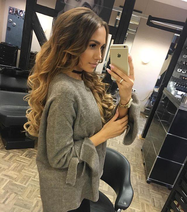 Vielen vielen Dank an @hufteamfriseur & @sekergibi28  Ich habe mich bei einem Friseur noch nie so Wohlgefühlt. Ich kann euch @hufteamfriseur und die liebe Yildiz nur ans Herz legen!! Sie ist wirklich super begabt und erfüllt euch jeden Wunsch. Für mich gab es heute eine Farbauffrischung und einen neuen Schnitt.  Meine Clip In Extensions bekommt ihr bei @luxuryforprincess! Code: Dajana