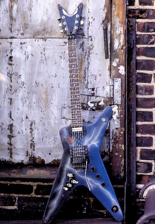 dimebag darrell 39 s 1977 dean ml dean from hell guitars dean guitars music guitar. Black Bedroom Furniture Sets. Home Design Ideas