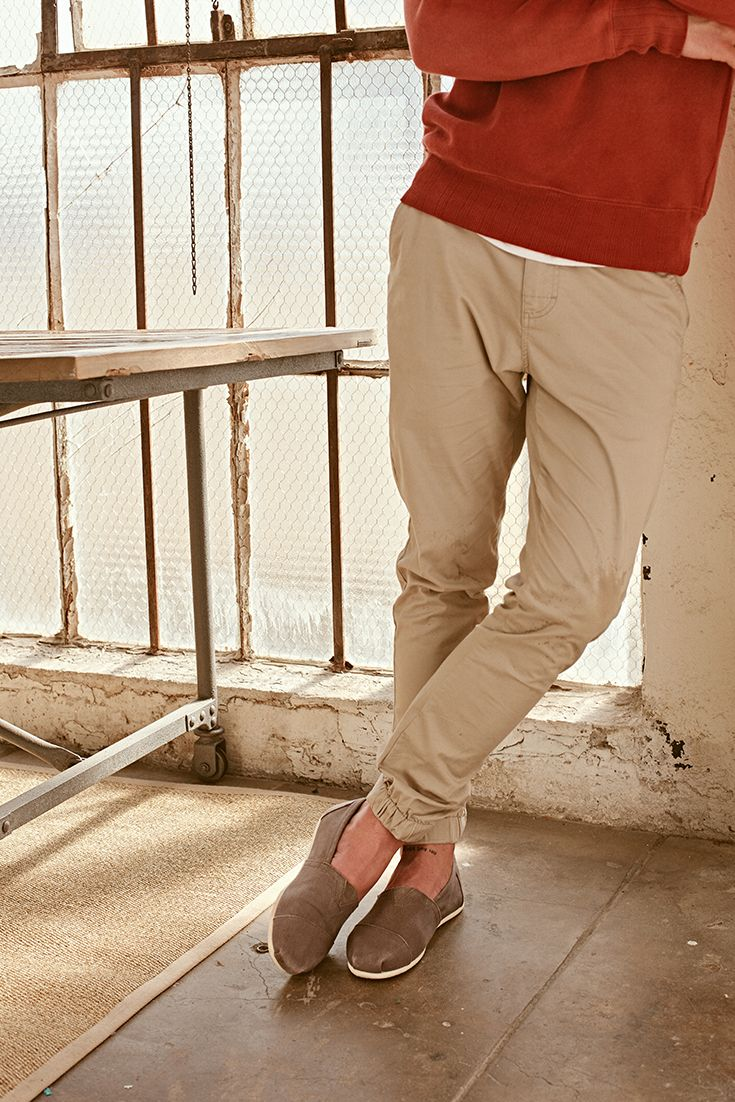 e6280edab20 Keep it simple in TOMS slip-on shoes for men. Designed for laid-back  comfort when you re on the move.