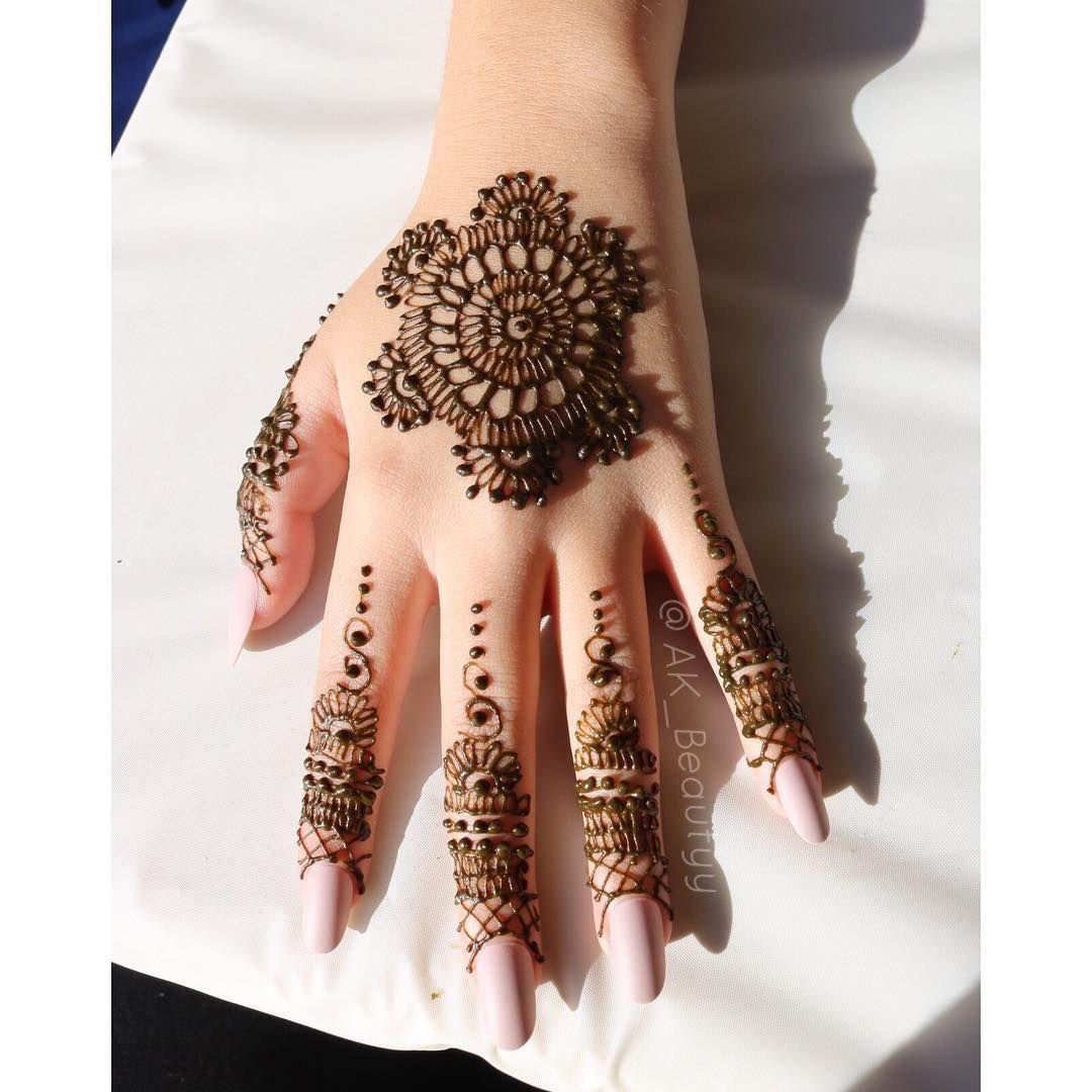 Nonbridal henna