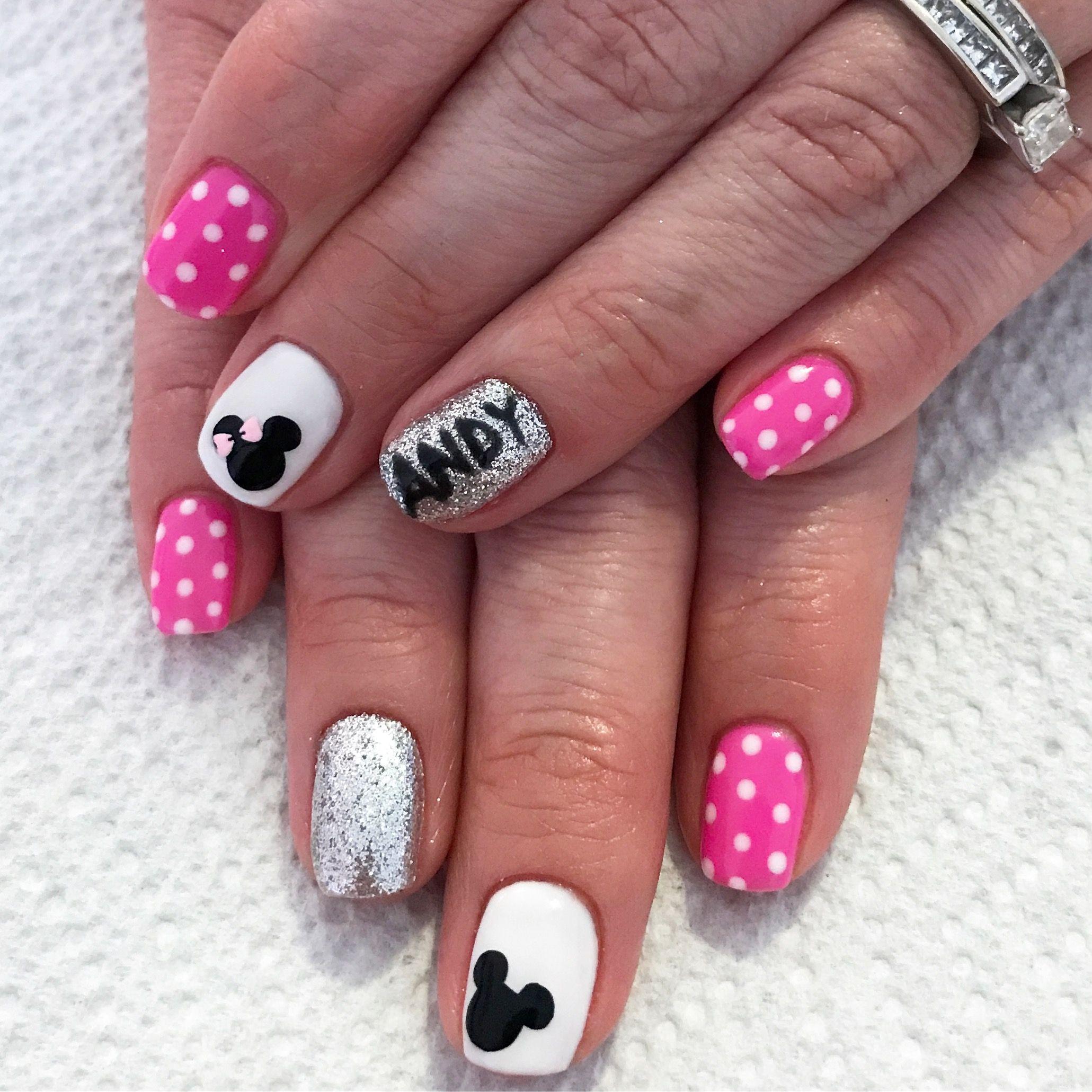 Disney nails. Gel nails. Disneyland nails. Mickey mouse nails ...