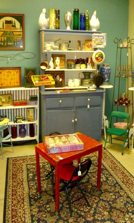 Evolution Home - vintage and consignment home furnishings