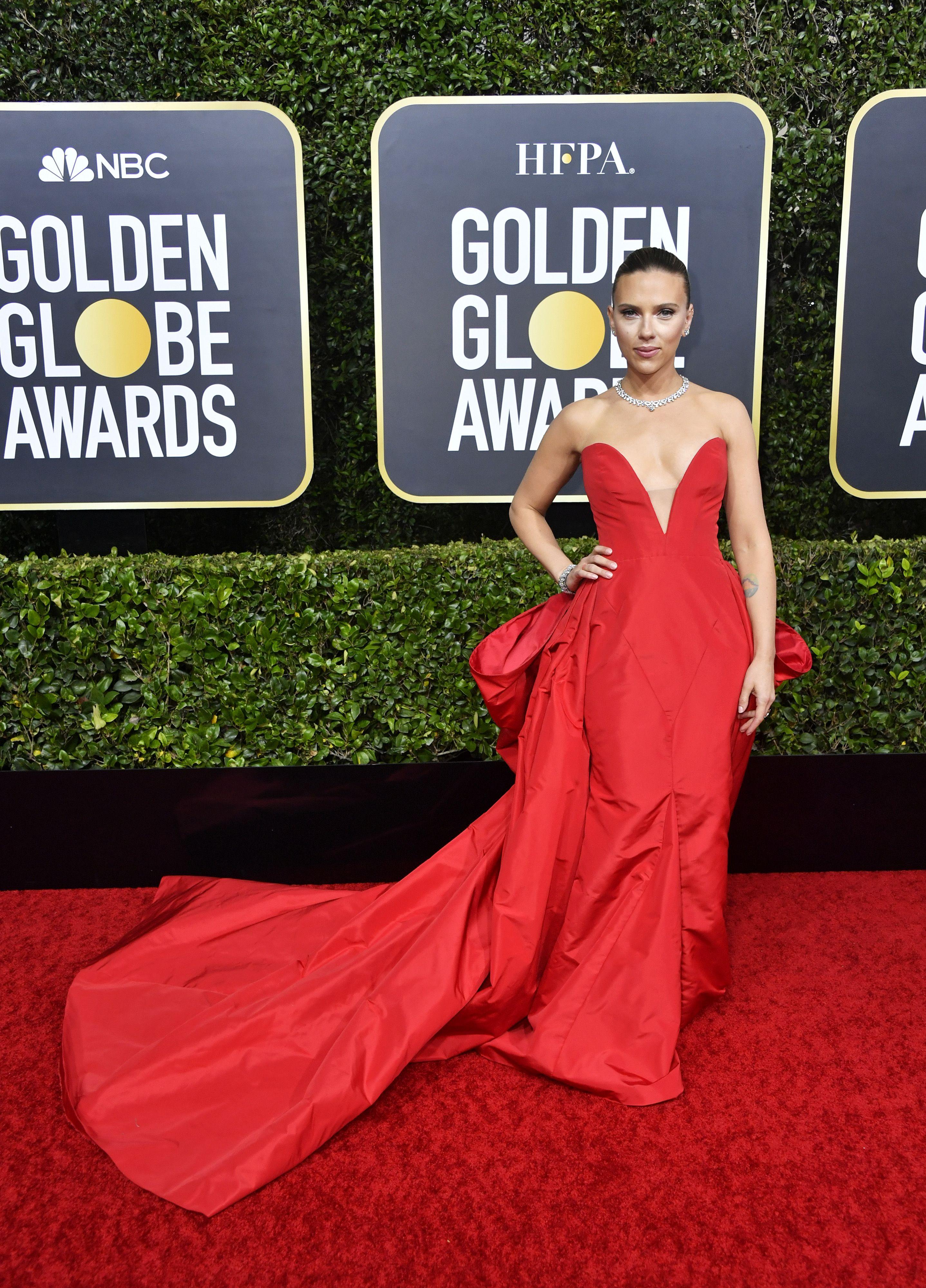 Globo de Ouro 2019: vestido de Alison Brie é tipo Cinderela