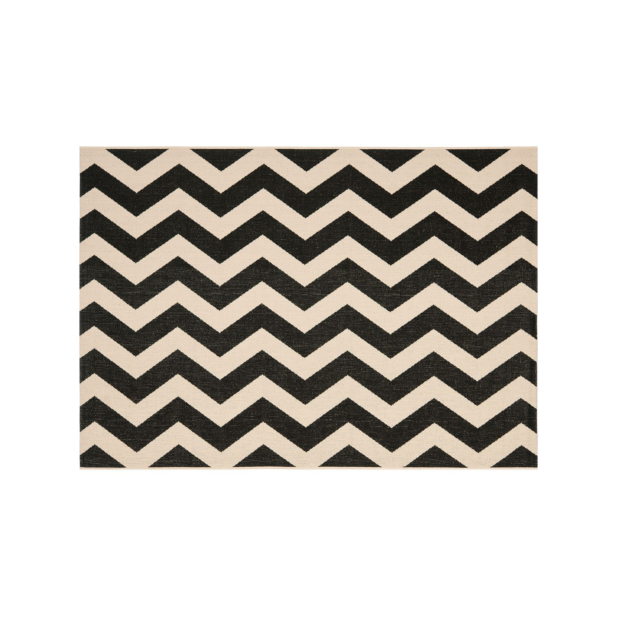 Safavieh Courtyard Foxtrot Chevron Indoor Outdoor Rug, Black, Durable