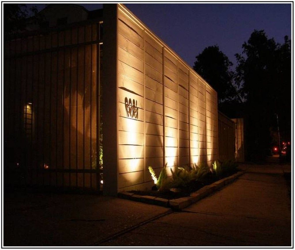 Solar Modern Outdoor Fence Lighting