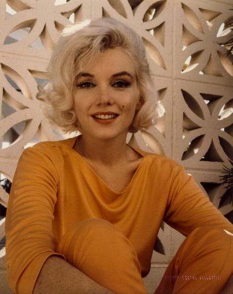 Улыбка Мэрилин: последняя прижизненная фотосессия Мэрилин Монро, сделанная за три недели до её смерти.
