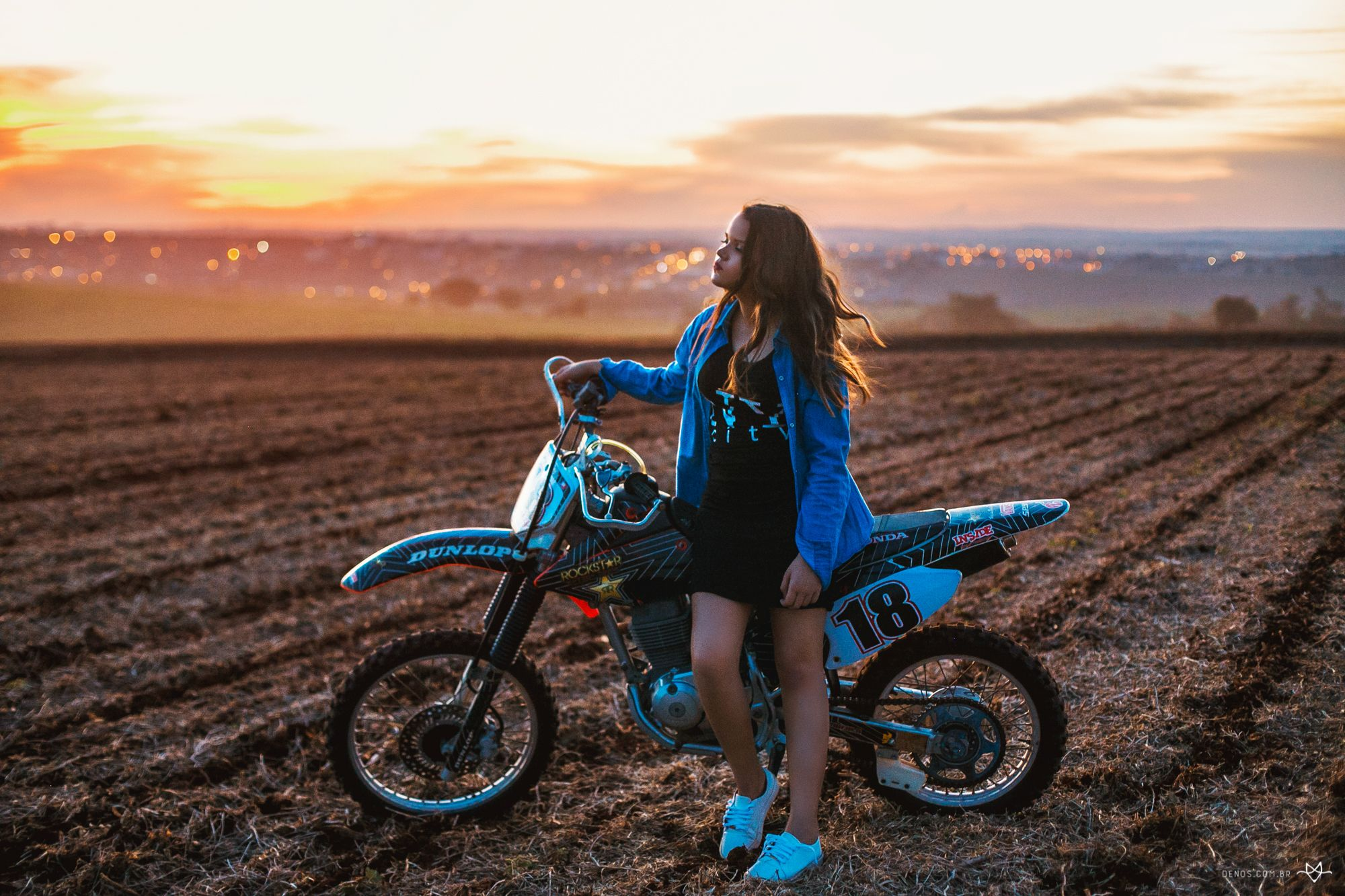 Motocross topless girls photos, redhead nice tits