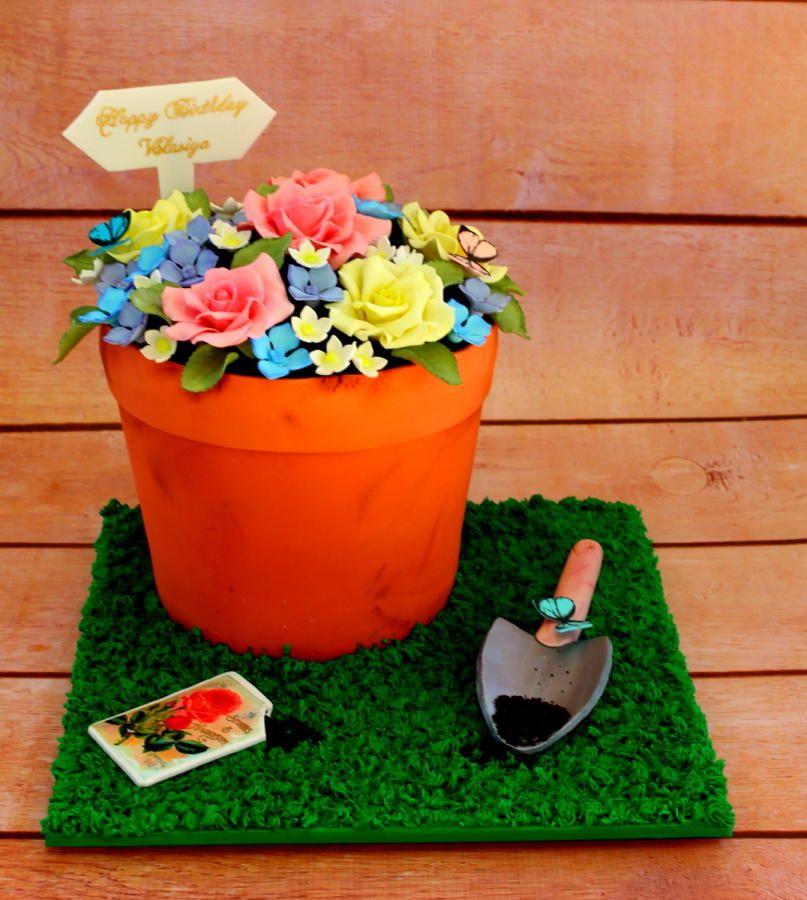 Flower pot Cake by mac1 Flower pot cake, Giant cupcake