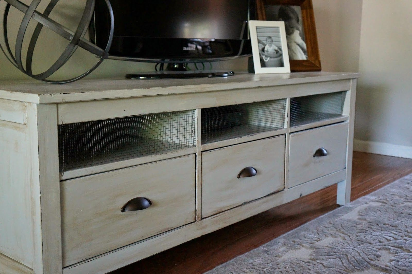 Seeking Lavender Lane Ikea Tv Stand Receives A Makeover Ikea Hemnes Tv Stand Ikea Tv Stand Hemnes Tv Stand
