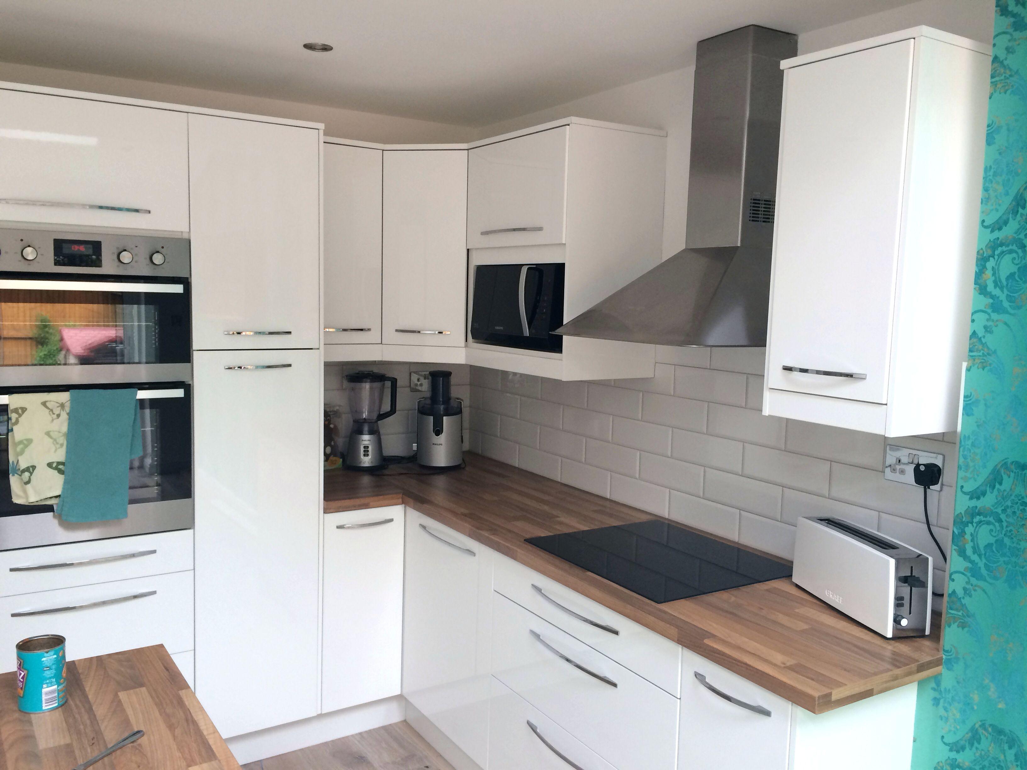 55 Arten Angenehmen Hochglanz Weisse Kuche Schrankturen Enterprise Flat Panel Turen Sind Ei Kitchen Cabinet Interior White Gloss Kitchen Best Kitchen Cabinets