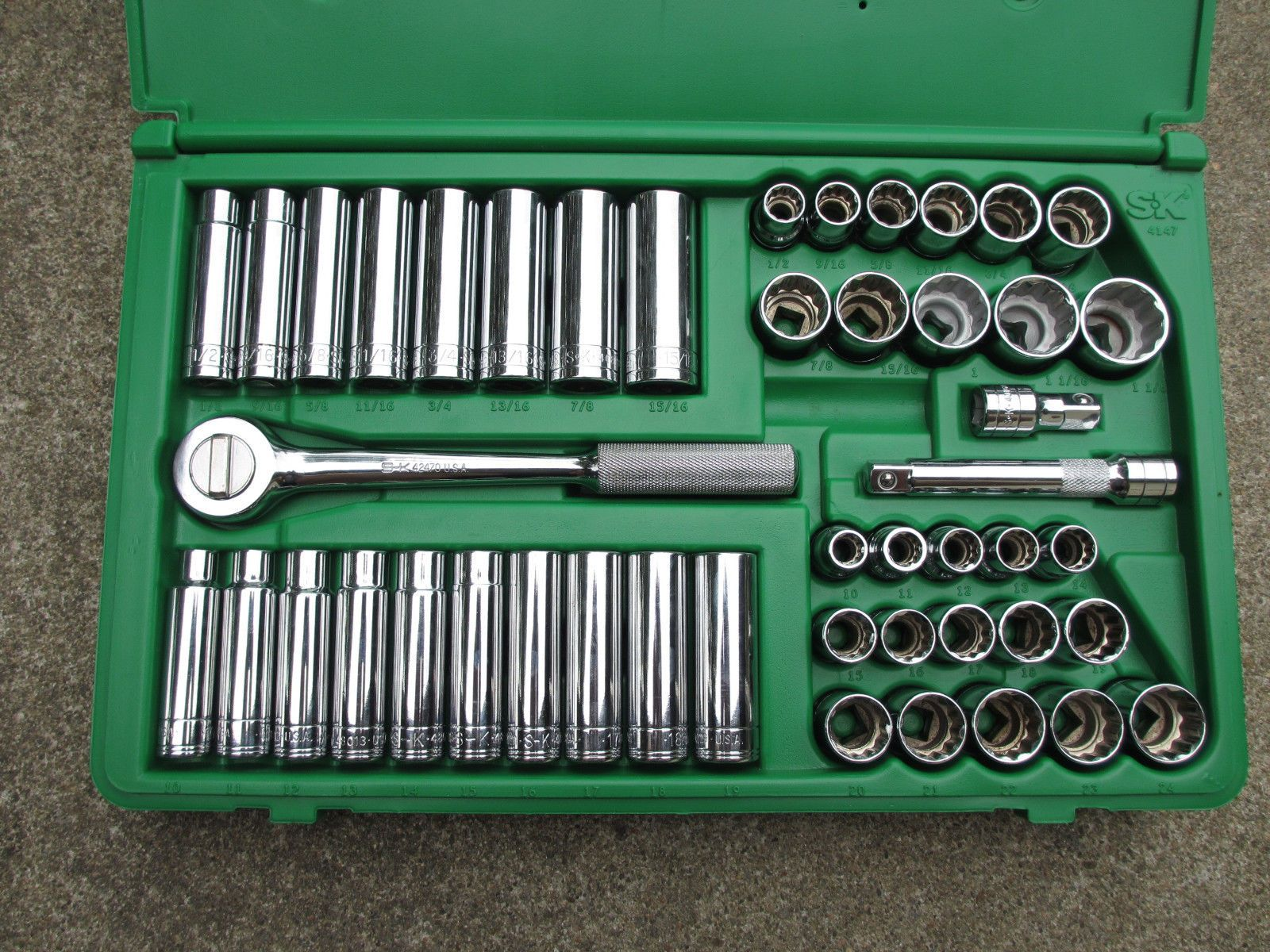 Gently Used Sk 4147 47 Piece 12 Point 1 2 Drive Socket Set In Good Condition. 9 16 Deep