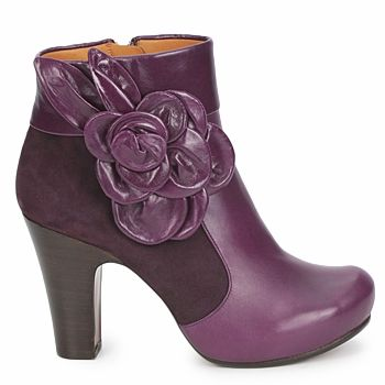 Chie Mihara´s purple shoes.... love em!