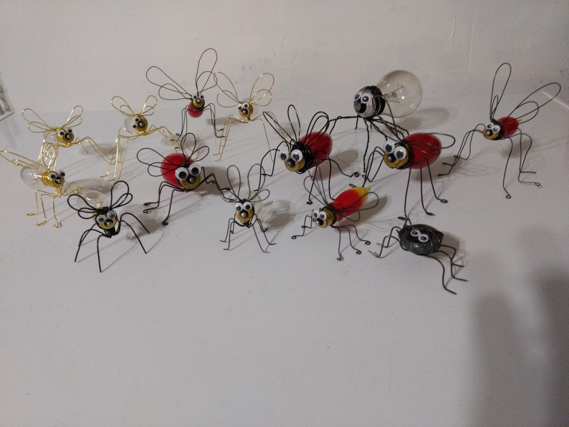 Wire bugs made from Christmas bulbs.   Wire Insects   Pinterest