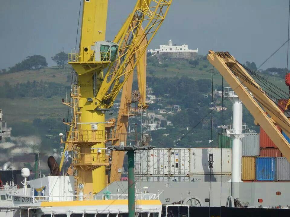 El cerro visto desde el puerto de Montevideo