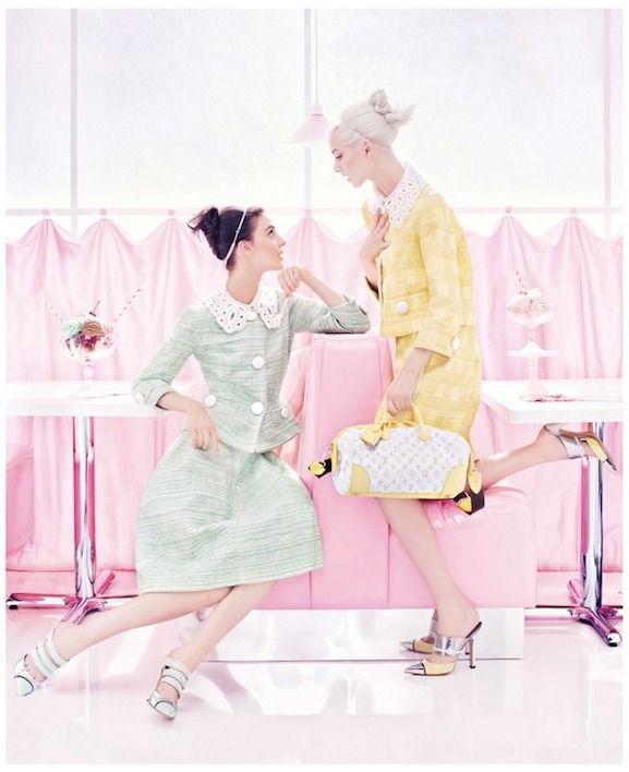 :: Louis Vuitton ::