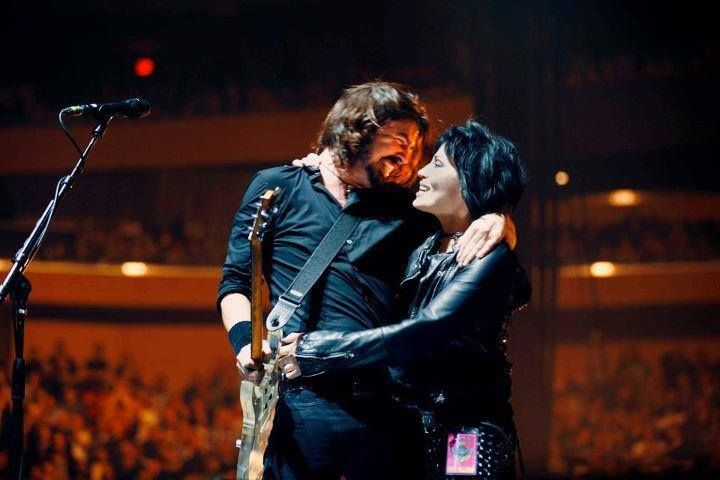 Grohl AND Jett!??!!?  AWE.  SOME.